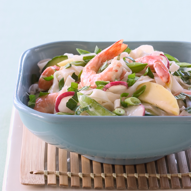 Noodles and Shrimps Salad with Coconut Sauce