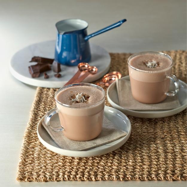 Bebida de chocolate con leche de coco